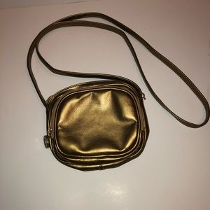"""VTG Gold """"Unlisted"""" by Kenneth Cole crossbody bag"""